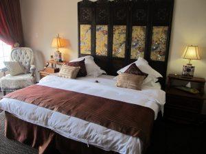 IMG_0060 King bed.JPG
